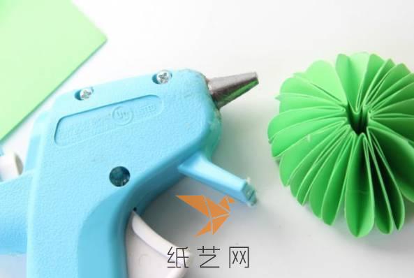 花雨伞折纸工艺