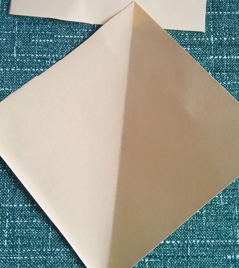 对称窗花简单剪纸